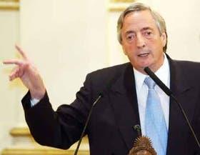El presidente Kirchner, ayer, en el Salón Sur de la Casa de Gobierno
