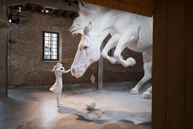 Detalle de El problema del caballo en el Pabellón Argentino en Venecia