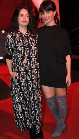 Dos looks opuestos, dos bellezas: Romina Ricci y Griselda Siciliani. Foto: LA NACION / Gerardo Viercovich