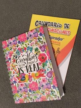 La familia le prepara a cada chico un cuaderno con su historia médica, sus avances y deseos