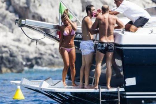 Gazzetta dello Sport publicó la serie de fotos luego de que el Pipita Higuaín sufriera el accidente.