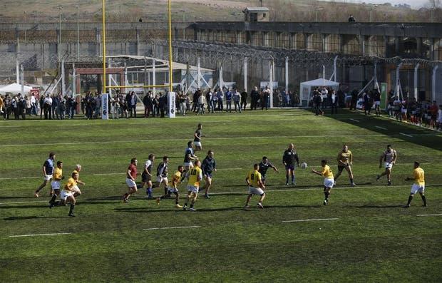 Los Espartanos ganaron 21 a 17 contra un equipo formado por jugadores de primera