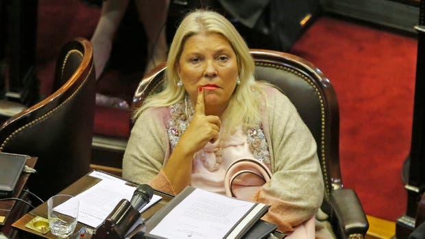 Elisa Carrió pidió que la Justicia investigue si De Vido y sus principales colaboradores cobraron coimas