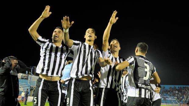 El festejo y la emoción de Gimnasia y Esgrima de Mendoza tras el triunfo