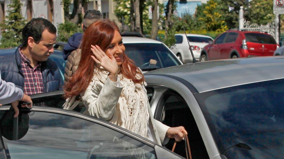 Cristina Kirchner no viajó a Buenos Aires: en Río Gallegos fue a los tribunales y a la Policía, y presentó un escrito