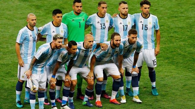 Uruguay vence y se acerca al Mundial
