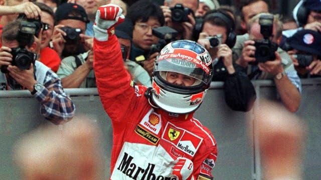 12 de Abril 1998, Michael Schumacher celebra en el Gran premio de la Argentina