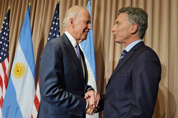 El vicepresidente de EE.UU. Joe Biden y Mauricio Macri