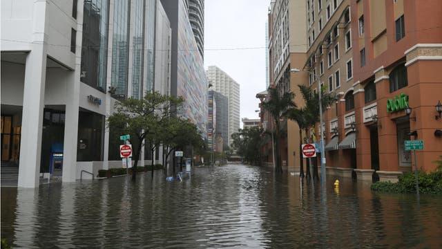 La misma zona, cuando todo estuvo más calmo, inundado y desierto