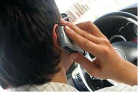 Hablar por teléfono al volante, un peligro