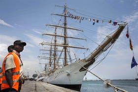 La Fragata, en el puerto de Tema