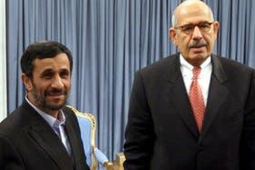 En realidad, Mohamed El Baradei supera de lejos en estatura al mandatario iraní