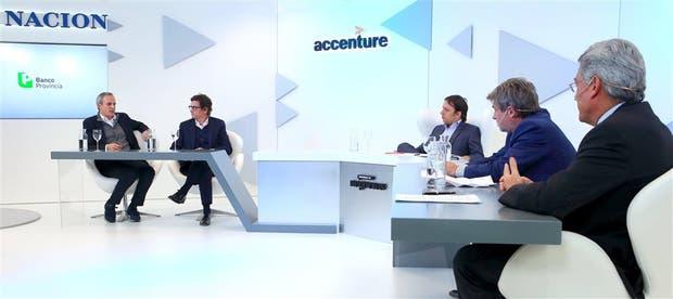 Julian Cook (Flybondi), Gabriel Martino (HSBC), José Del Rio (LA NACION), Mariano Rodríguez Giesso (Giesso) y Martín Berardi (Ternium Siderar)