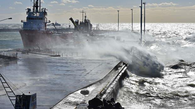 Submarino: alistan un mini submarino con médicos para el rescate