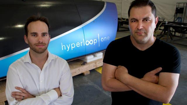 Josh Giegel y Shervin Pishevar, cofundadores de Hyperloop junto a Elon Musk