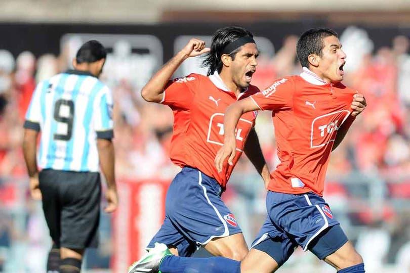 Independiente le ganó a Racing 2 a 0 y salió de zona de descenso. Foto: FotoBAIRES