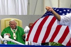 """""""Ruego porque la Virgen María les ayude a no caer en la tentación del odio y la violencia"""", rezó el Papa"""