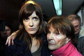 Lucila Frend, acompañada por familiares en los tribunales
