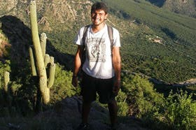 Buscan al joven en Bolivia