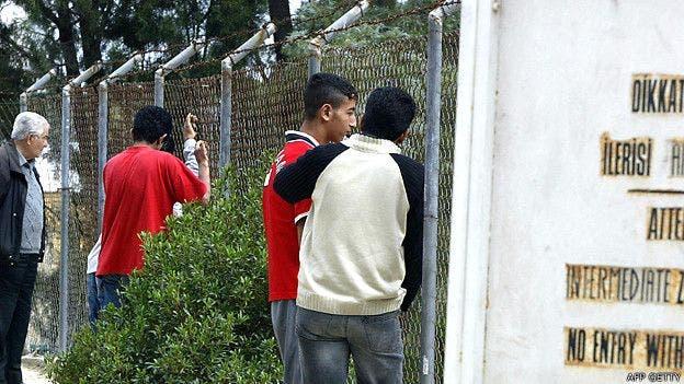 El muro se convirtió en una frontera infranqueable tras la guerra entre ambas comunidades en Chipre en 1974