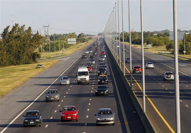 La autopista Buenos Aires La Plata, cargada durante todo el día hacia la capital