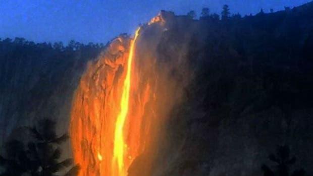 La espectacular cascada de fuego en Yosemite, California