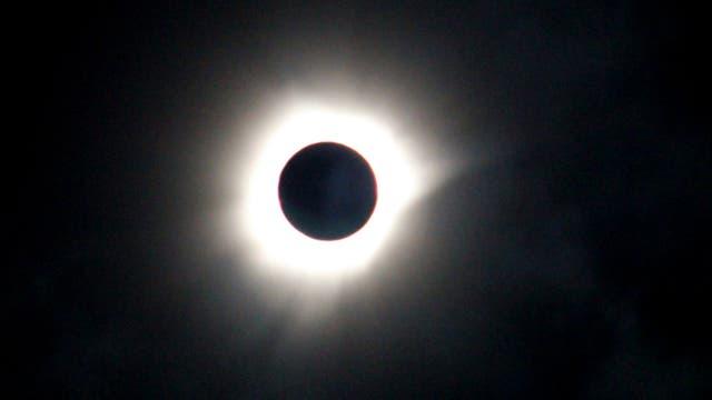 Un equipo de la NASA viajó para observar la corona solar. Foto: AP