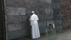 El Papa estuvo una hora en Auschwitz