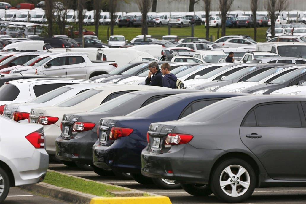 El patentamiento de autos subió un 16% en febrero