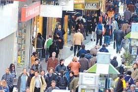 El aumento del turismo extranjero convirtió la calle Florida en la zona comercial porteña más cara de Buenos Aires