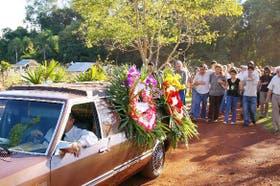 Los padres del chico asesinado en Colonia Wanda, Misiones, encabezan el cortejo fúnebre
