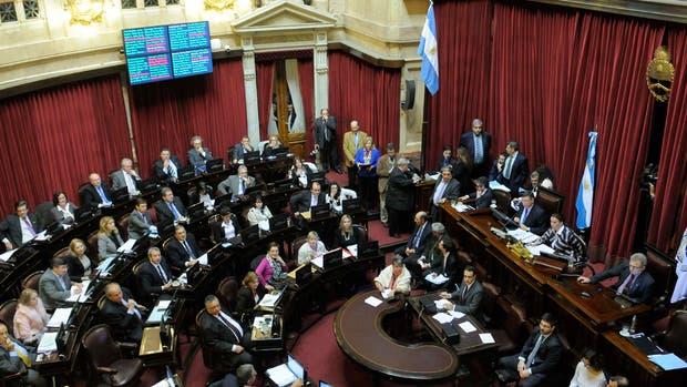 Senado aprobó anoche el proyecto que habilita el pago de deudas a jubilados y el blanqueo de capitales