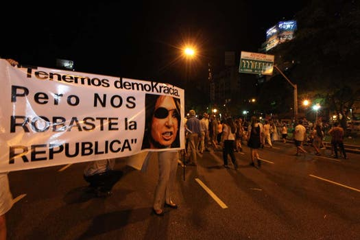 Se trata de la segunda gran protesta contra el Gobierno convocada desde las redes sociales. Foto: LA NACION / Ezequiel Muñoz