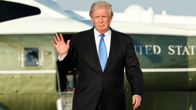 Dolor de cabeza para Trump: los acusan de aceptar pagos a través de sus empresas