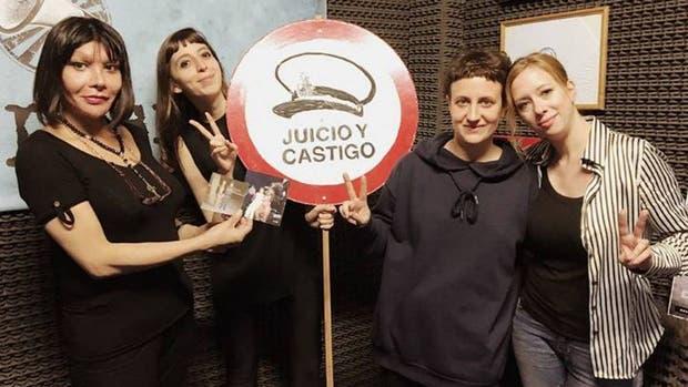 Florencia Kirchner empezó un programa de radio feminista y arrancó con elogios a su madre