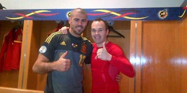 Valdés e Iniesta en el festejo del triunfo en París