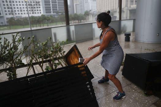 En Miami el huracán llegó el domingo como una tormenta de categoría 4. Foto: AFP