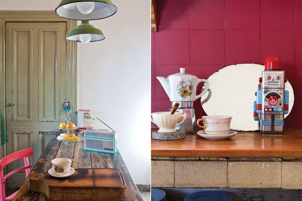 La mesa era de un carnicero del mercado de Belgrano. Él la tiró y Gerardo la rescató. Por todos lados pululan radios vintage, tazas de porcelana y cafeteras compradas en ferias y anticuarios de distintas latitudes..