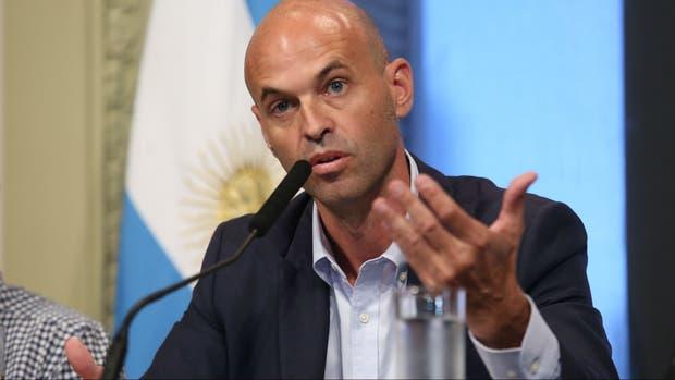 Guillermo Dietrich negó que haya despedido a Isela Costantini de Aerolíneas Argentinas