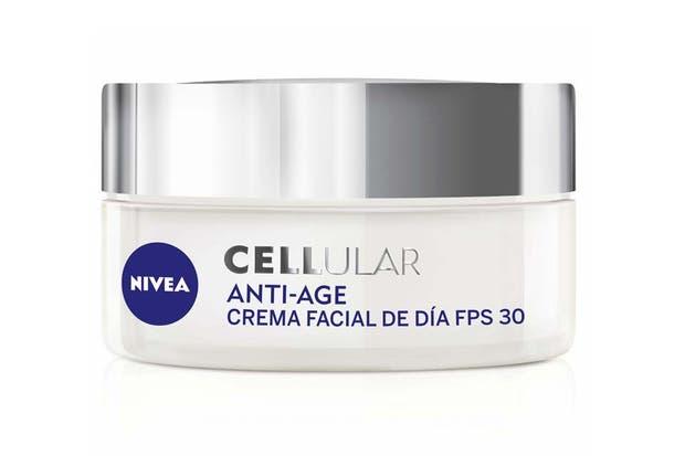 Cellular anti-age. Activa la renovación celular y devuelve firmeza a la piel. Tiene FPS 30 y ayuda a prevenir las manchas. $287, Nivea.