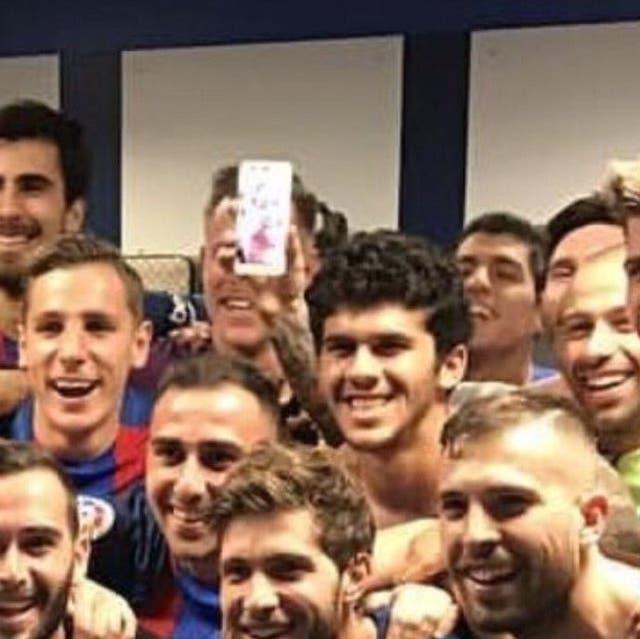Neymar saca la lengua