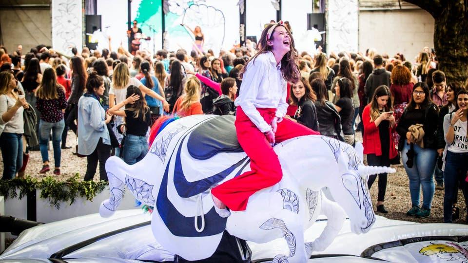 El unicornio mecánico en OHLALÁ! Fest. Foto: LA NACION / Fernando Dvoskin