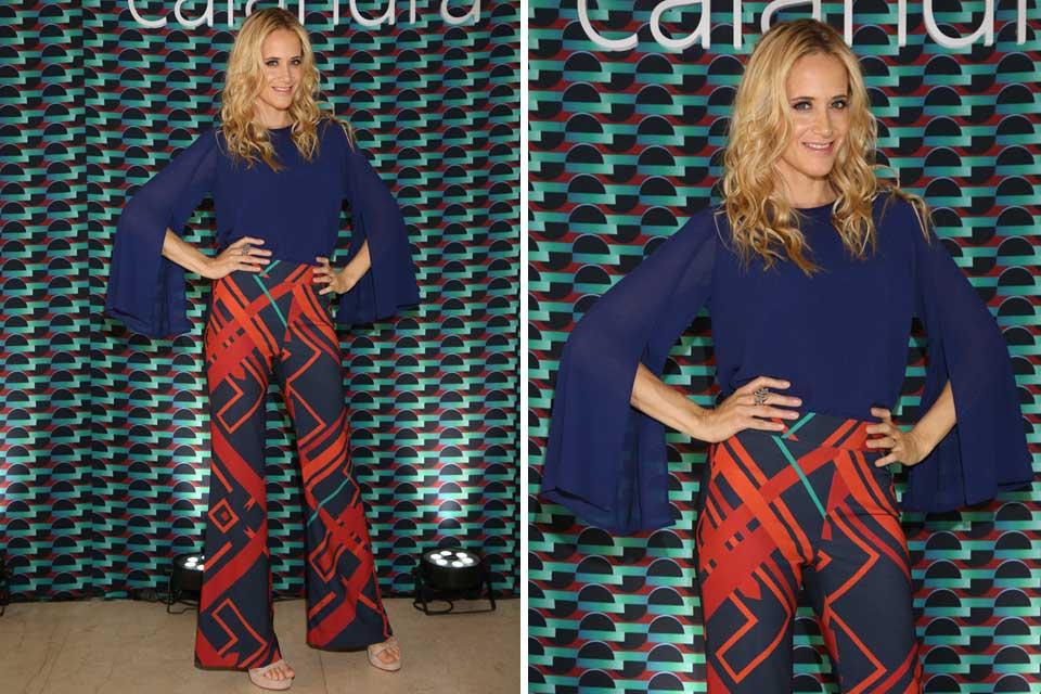 Julieta Prandi con blusa de gasa con aberturas en las mangas y pantalones estampados de tiro alto de Calandra; ¿Te gusta su estilismo?.