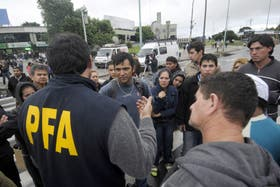 Quinto día de paro de colectivos: pasajeros indignados