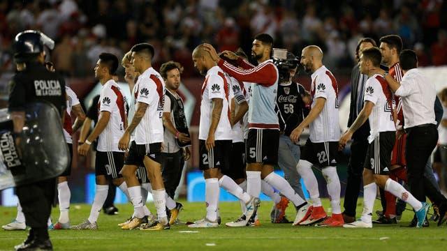 Caras de amargura tras dos derrotas y fuera de la Libertadores