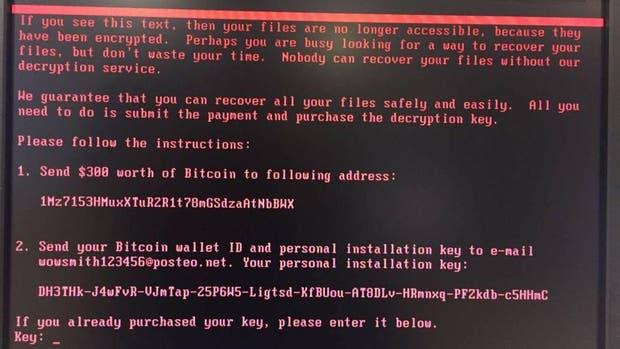 En las computadoras infectadas, aparece un cartel que reclama el pago de 300 dólares en bitcoins para permitir al usuario recuperar el acceso a los archivos