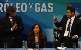 La Presidenta, flanqueada por Amado Boudou y Miguel Galuccio, en Tecnópolis