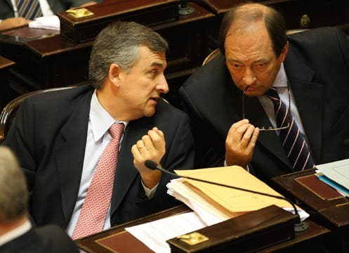 Gerardo Morales y Ernesto Sanz, de la UCR, pusieron todos sus esfuerzos en evitar la sanción de la ley. Foto: LA NACION