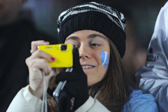 En Santa Fe, las chicas se produjeron para ver a la selección. Foto: AFP