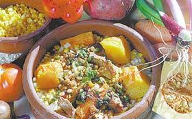 Productos de estas tierras. Choclos, tomates, zanahorias y un largo etcétera de ingredientes que se cocinan al fuego lento de la tradición